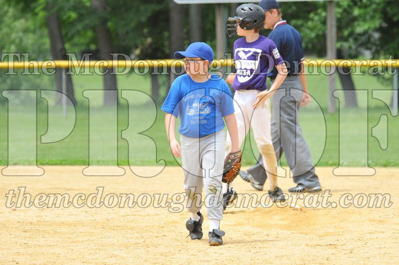 LL Minors Boys Bsb Bushnell Blue vs Aurelio's 06-11-11 052