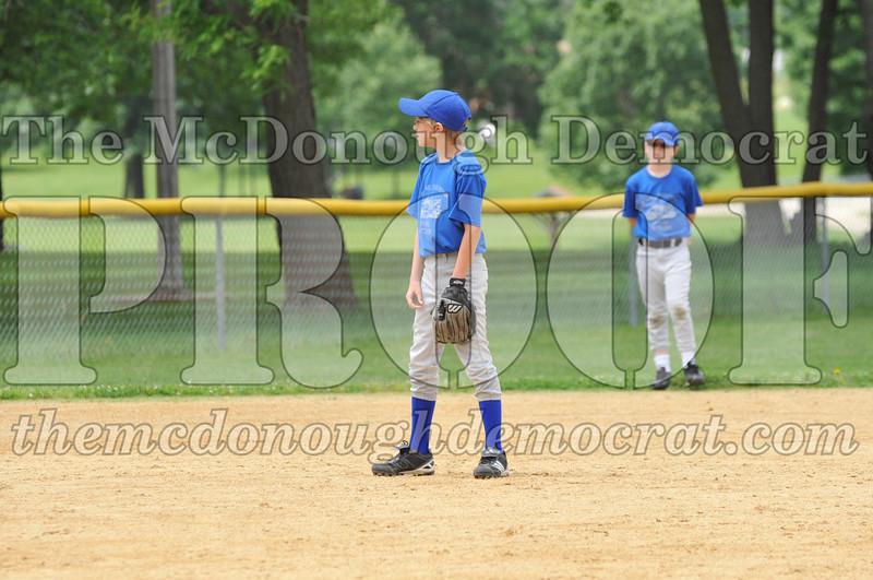 LL Minors Boys Bsb Bushnell Blue vs Aurelio's 06-11-11 023