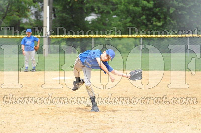LL Minors Boys Bsb Bushnell Blue vs Aurelio's 06-11-11 010