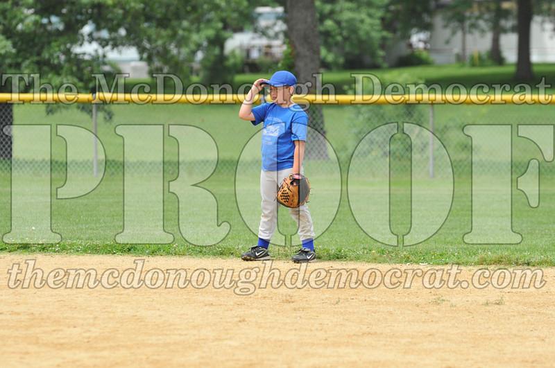 LL Minors Boys Bsb Bushnell Blue vs Aurelio's 06-11-11 027