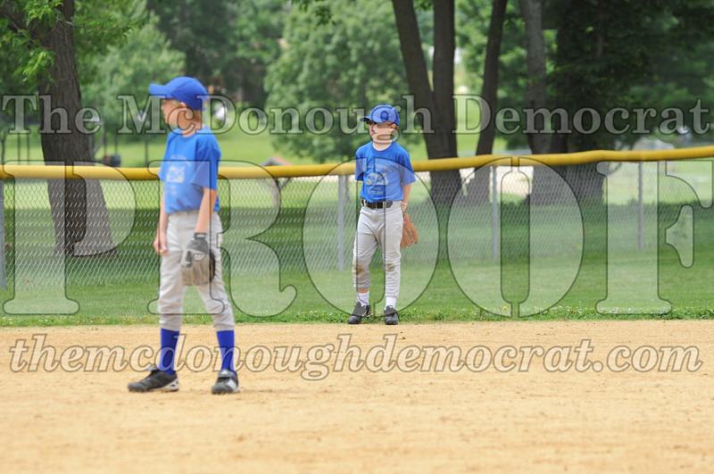 LL Minors Boys Bsb Bushnell Blue vs Aurelio's 06-11-11 024