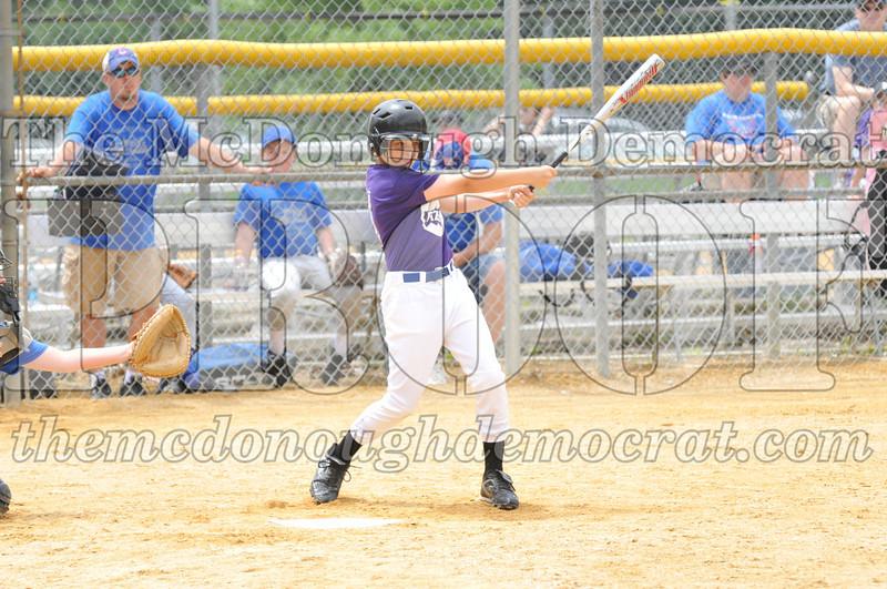 LL Minors Boys Bsb Bushnell Blue vs Aurelio's 06-11-11 013