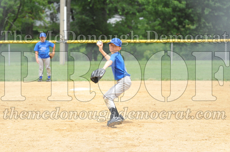 LL Minors Boys Bsb Bushnell Blue vs Aurelio's 06-11-11 007