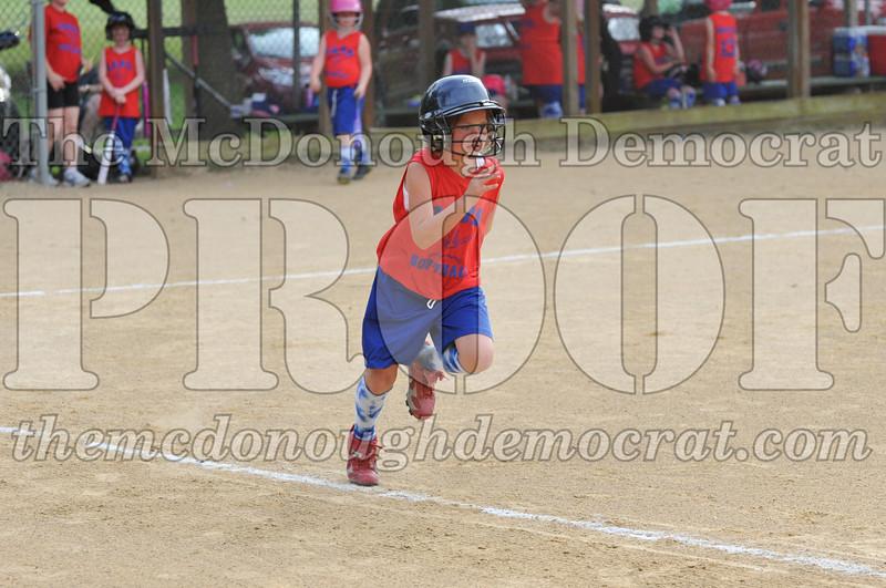 Girls CP Softball 7-8yrs Ipava vs BATS 06-01-11 052