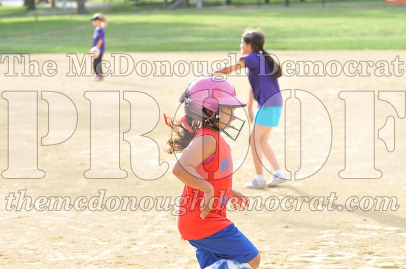 Girls CP Softball 7-8yrs Ipava vs BATS 06-01-11 008