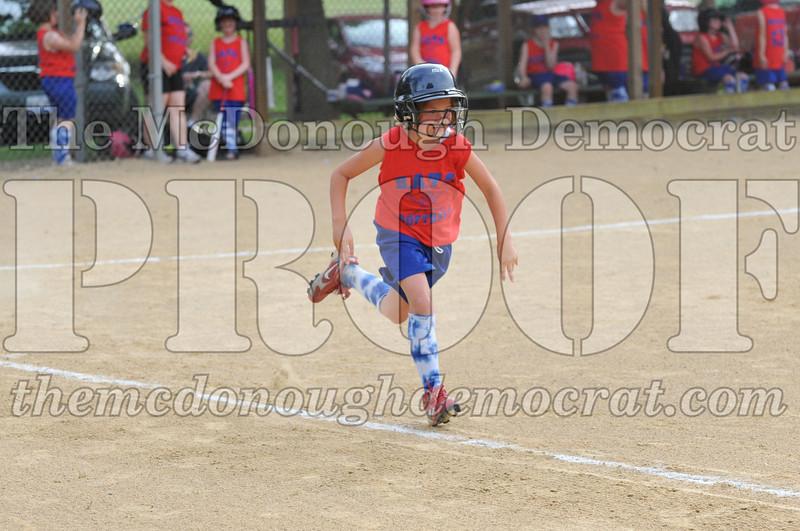 Girls CP Softball 7-8yrs Ipava vs BATS 06-01-11 051
