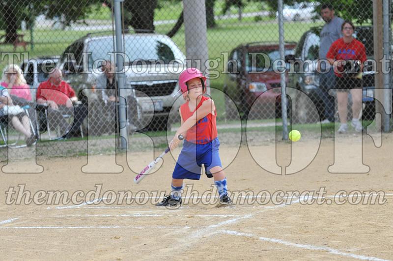Girls CP Softball 7-8yrs Ipava vs BATS 06-01-11 037