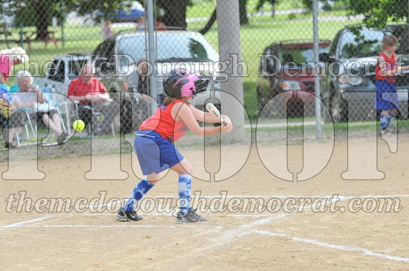 Girls CP Softball 7-8yrs Ipava vs BATS 06-01-11 023