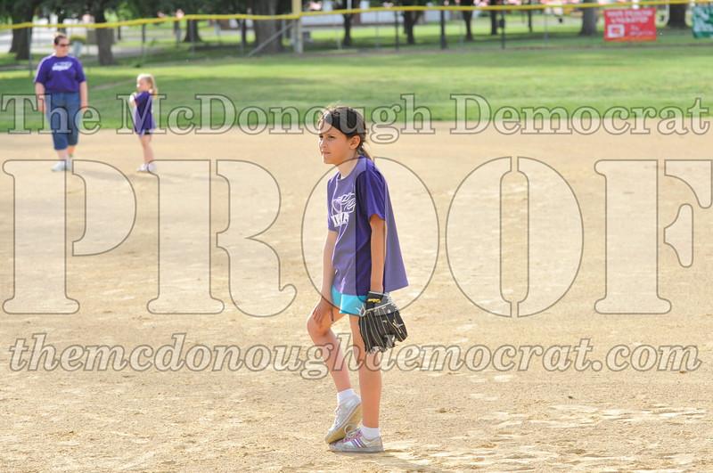 Girls CP Softball 7-8yrs Ipava vs BATS 06-01-11 019