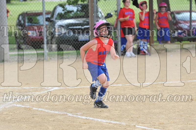 Girls CP Softball 7-8yrs Ipava vs BATS 06-01-11 027