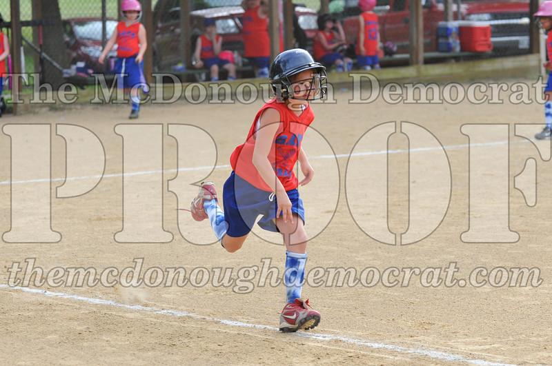 Girls CP Softball 7-8yrs Ipava vs BATS 06-01-11 053