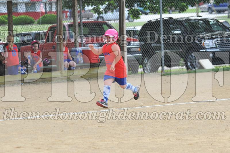 Girls CP Softball 7-8yrs Ipava vs BATS 06-01-11 042