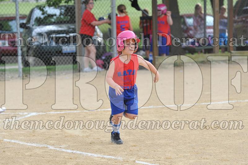 Girls CP Softball 7-8yrs Ipava vs BATS 06-01-11 041