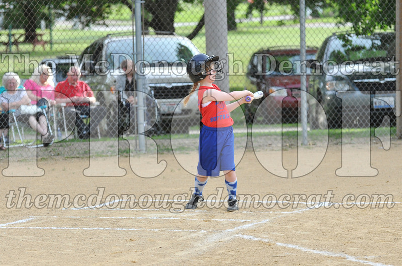 Girls CP Softball 7-8yrs Ipava vs BATS 06-01-11 012