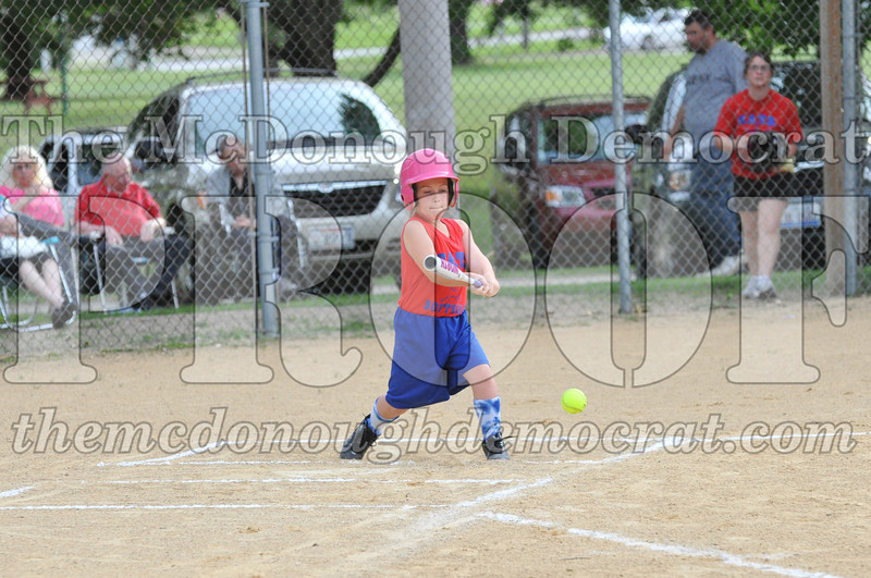 Girls CP Softball 7-8yrs Ipava vs BATS 06-01-11 038