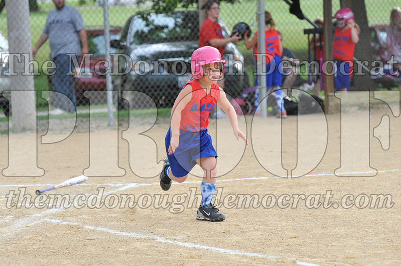 Girls CP Softball 7-8yrs Ipava vs BATS 06-01-11 039