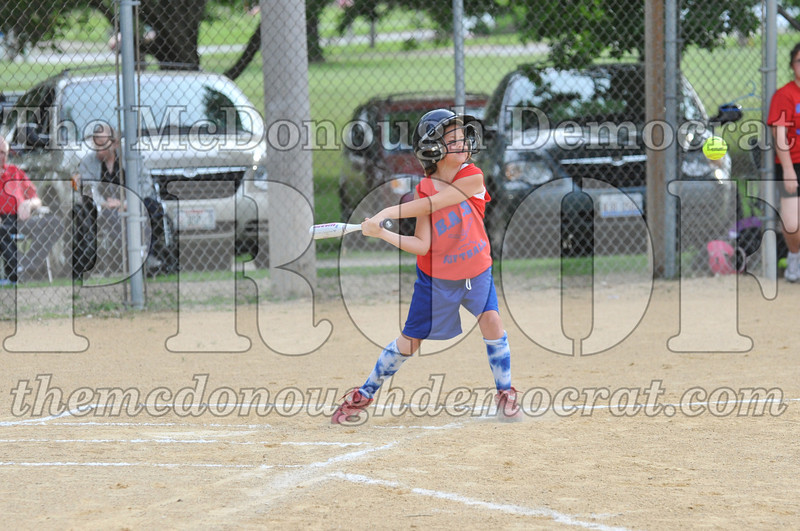 Girls CP Softball 7-8yrs Ipava vs BATS 06-01-11 050