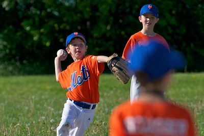 Pinto Mets v Yankees  2010-05-23118