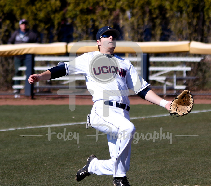 Storrs, CT: UConn defeated Houston 3-2 in American Athletic Conference play.