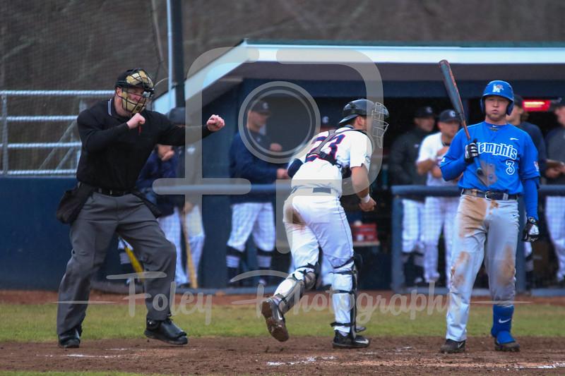 Memphis Tigers infielder Brandon Grudzielanek (3) Umpire Brian Drury