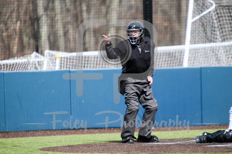 Umpire David Sperenza