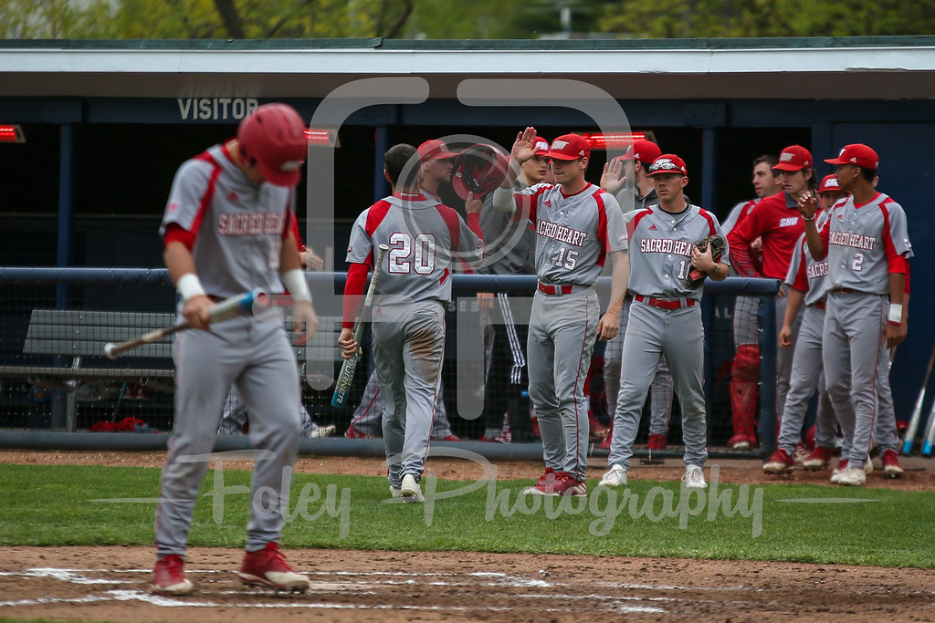 Sacred Heart outfielder Anthony Capozziello (20)