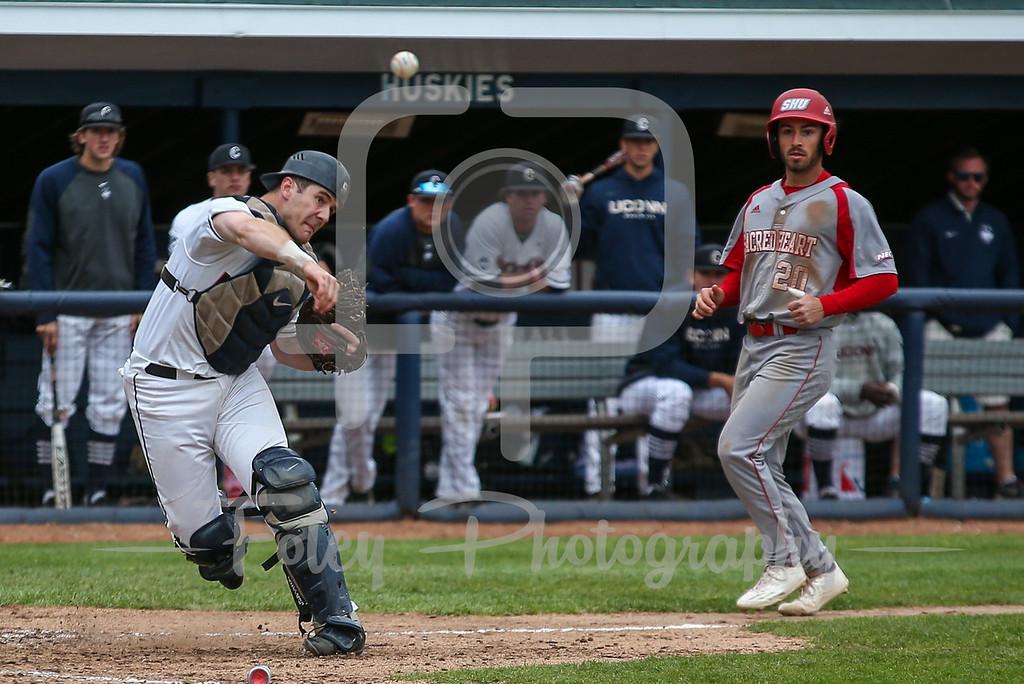 Connecticut Huskies catcher Alex LeFevre (9)