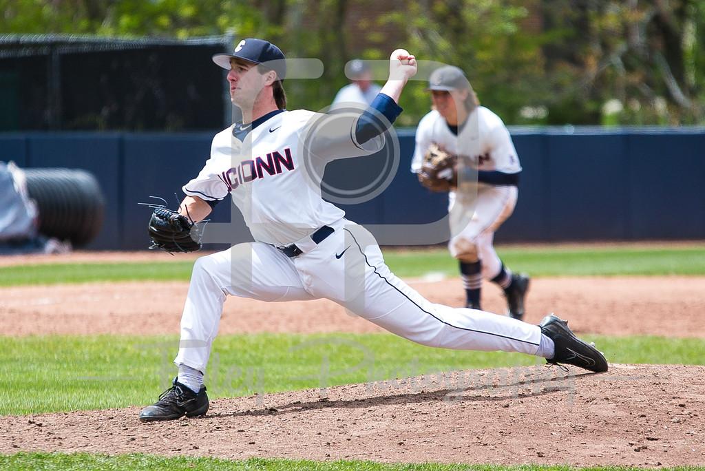 Connecticut Huskies pitcher P.J. Poulin (19)