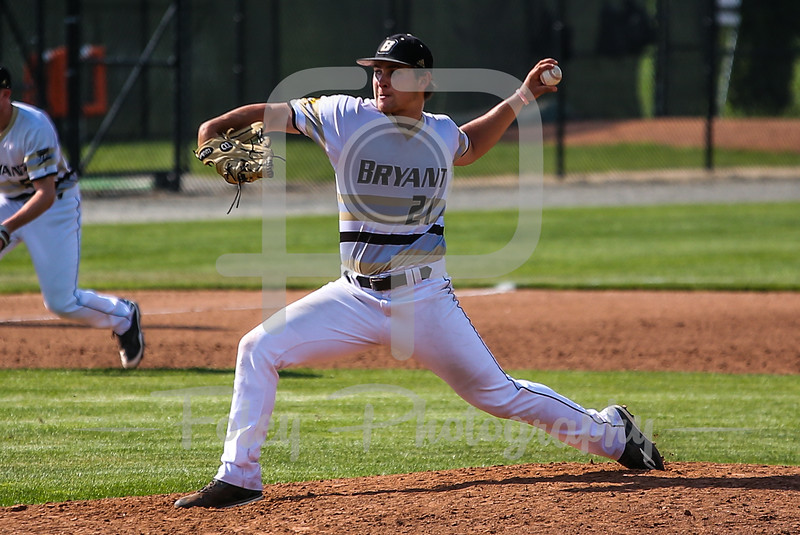 Bryant Bulldogs pitcher Jack Patterson (21)