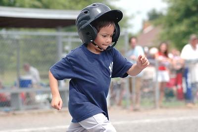King Little League: Parent Pitch T-Ball, Yankees vs Rockies - 06/11/05