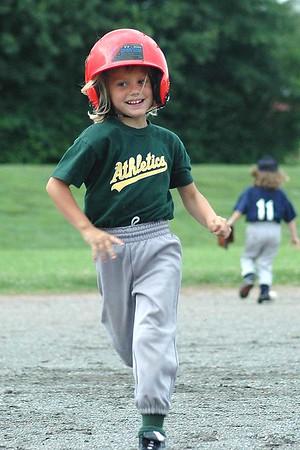King Little League: Parent Pitch T-Ball, Braves vs Athletics, 06/10/05