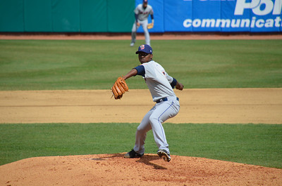 NH Fishercats vs. Binghamton Mets at Northeast Delta Dental Stadium (Apr 20,2013). Rafael Montero pitches for the Mets.