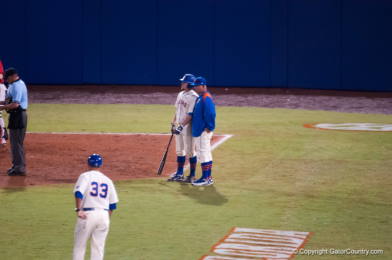 Florida junior Nolan Fontana talks to coach O'Sullivan during the Gators' 5-3 loss against the Georgia Bulldogs Saturday April 21, 2012 at the McKethan Stadium in Gainesville, Fla. / Gator Country photo by Saj Guevara