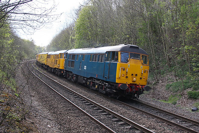 31106 Basingstoke 13/04/12 6Z14 Eastleigh to Derby RTC with 31465