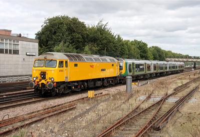 57312 (newly named Peter Henderson) Basingstoke 14/09/12 5O57 Northampton to Northam with 350120