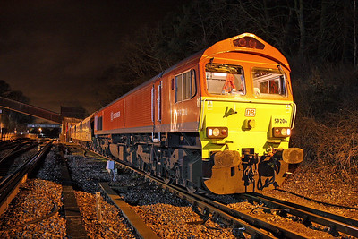 59206 Botley 26/01/12 unloading 7O44 from Westbury