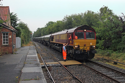 66147 Marchwood 05/09/16 6Y32 Fawley to Holybourne exchanging the token for the last time (at least for the time being !)