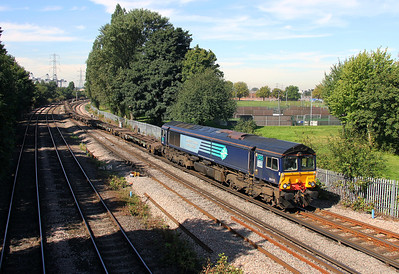 66419 Millbrook 08/09/12 4B08 Southampton Maritime to Southampton Up Goods Yard with empty flats for storage over the weekend