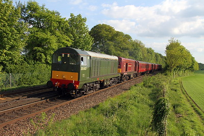 20007 Micheldever 13/05/18 1Z50 Corfe Castle to Kensington Olympia with 20142 and 4TC unit and 73136 on the rear