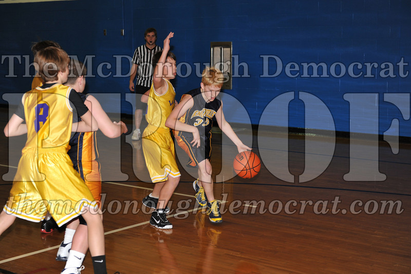 6th gr Knox Blue vs Laharpe 01-02-10 021