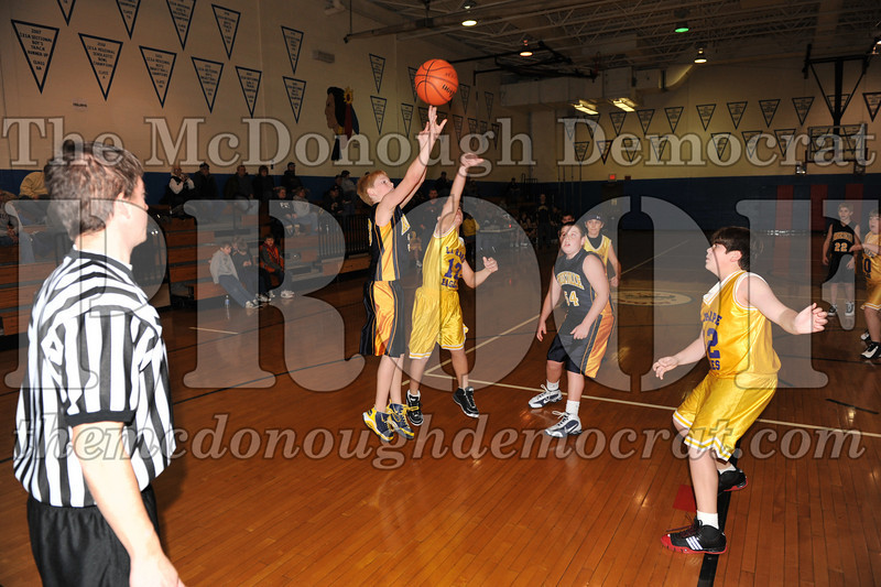6th gr Knox Blue vs Laharpe 01-02-10 016
