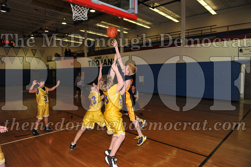 6th gr Knox Blue vs Laharpe 01-02-10 015
