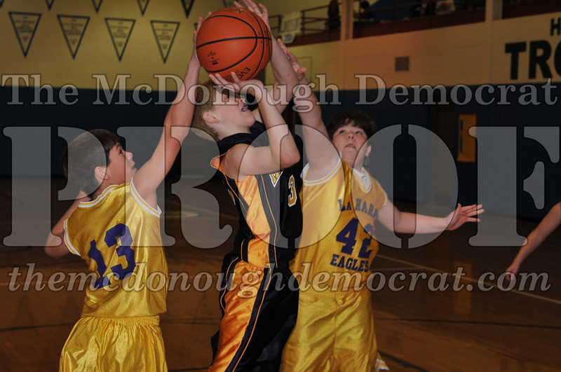 6th gr Knox Blue vs Laharpe 01-02-10 003