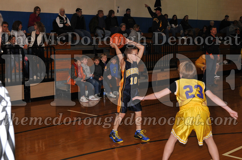 6th gr Knox Blue vs Laharpe 01-02-10 002