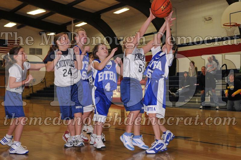 BTBA Girls 4th vs Knoxville 12-12-09 044