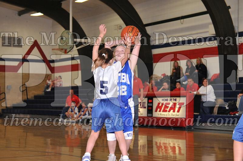 BTBA Girls 4th vs Knoxville 12-12-09 054