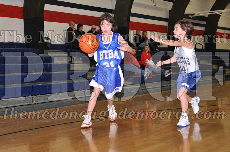 BTBA Girls 4th vs Knoxville 12-12-09 057