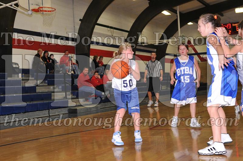 BTBA Girls 4th vs Knoxville 12-12-09 065