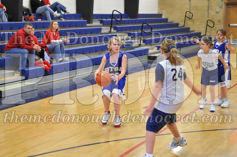 BTBA Girls 4th vs Knoxville 12-12-09 017
