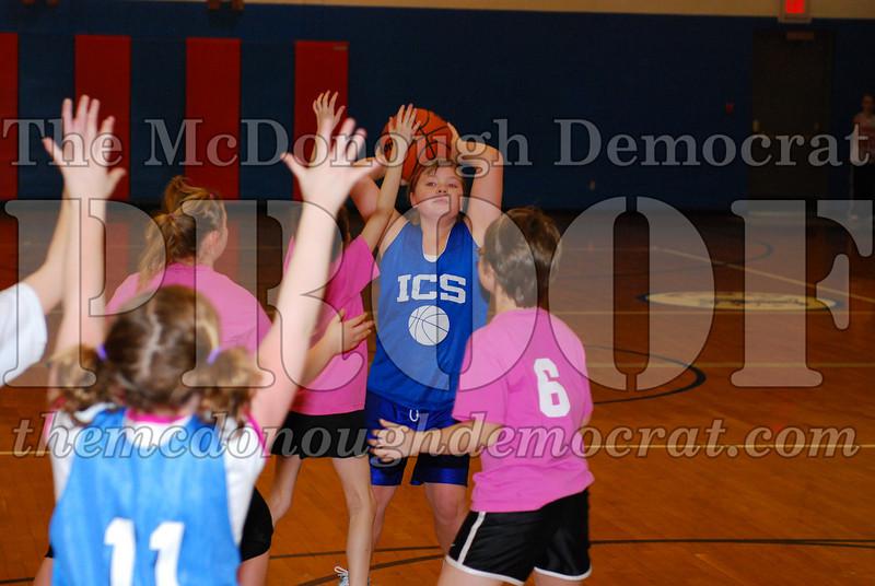 4th Girls Valley vs Monmouth ICS 02-21-09 011